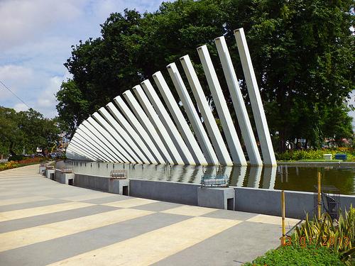 Blogermie Monumen Taman Pelangi Surabaya Kota