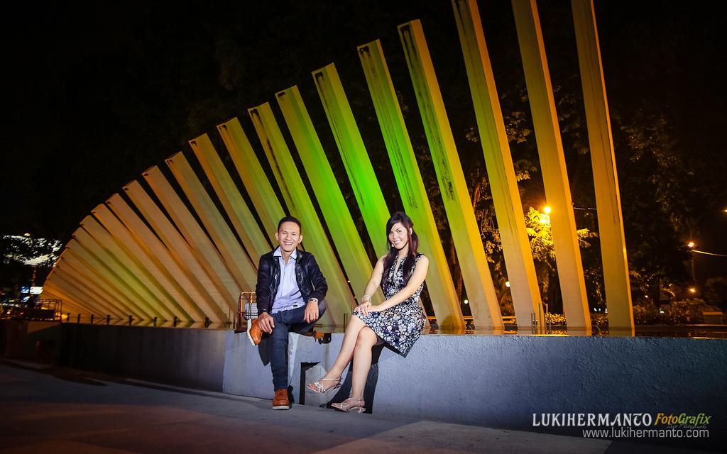 Foto Prewedding Taman Pelangi Lukihermanto Fotografix Kota Surabaya