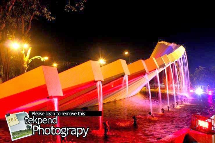 Indahnya Taman Pelangi Dolog Surabaya Magzonia Malam Hari Kota