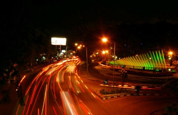 Keindahan Malam Taman Pelangi Surabaya Share Data Center Kota