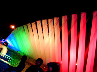Nikmati Indahnya Malam Warna Warni Taman Pelangi Surabaya Kota
