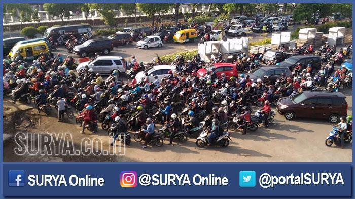 Proyek Bundaran Taman Pelangi Surabaya Picu Kemacetan Separah Kota