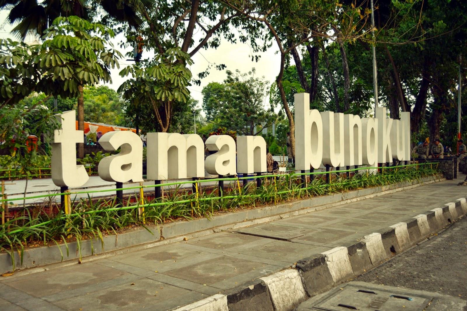 Untold Story 7 Surabaya Taman Bungkul Pelangi Akhir Mulai Tenar