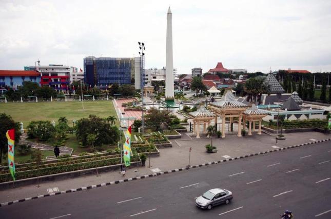 Wisata Malam Indah Taman Pelangi Surabaya Lihat Id Akses Menuju
