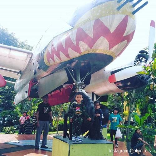 20 Tempat Wisata Surabaya Bagus Terkenal Zona Libur Taman Prestasi