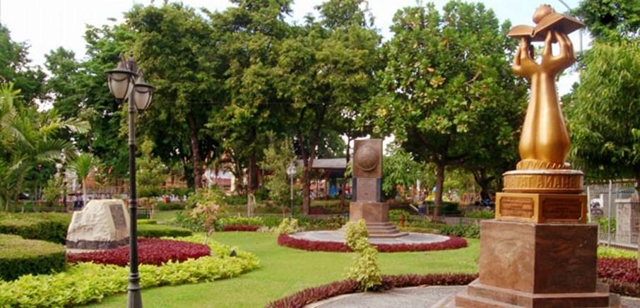 Mengenal Taman Prestasi Surabaya Jangka Jawa Kita Bisa Melihat Replika