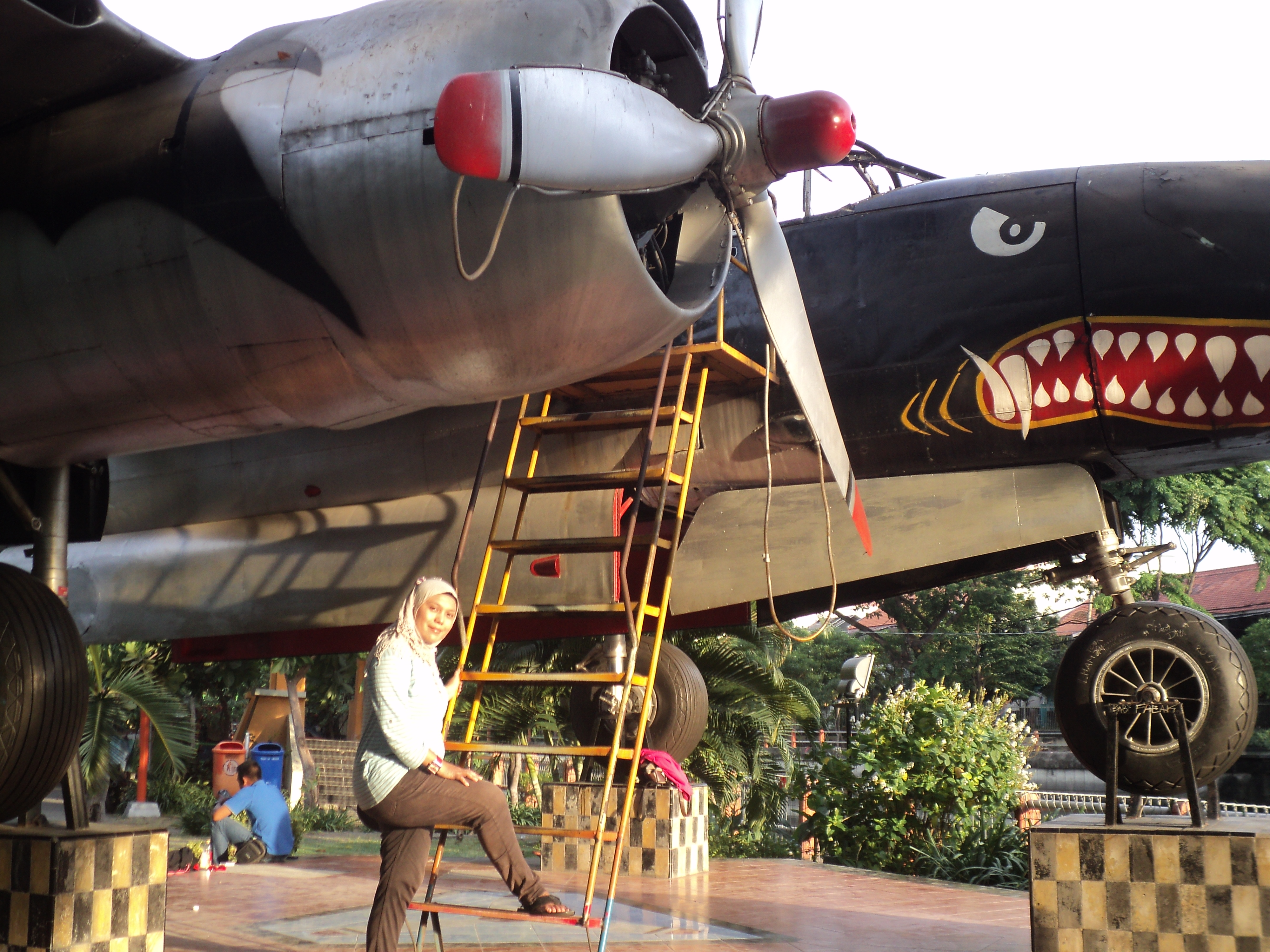 Monumen Pesawat Bomber Surabaya Berada Taman Prestasi Kota