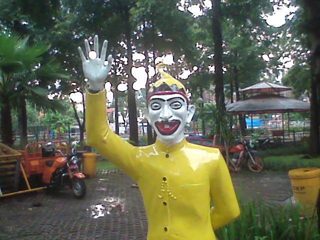 Patung Selamat Datang Pesona Taman Kota Surabaya Petruk Prestasi