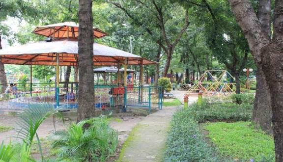 Taman Prestasi Ketabang Surabaya Foody Id Kota