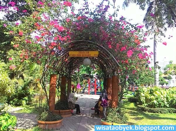 Taman Prestasi Surabaya Wisata Obyek Indonesia Terowongan Bunga Kota