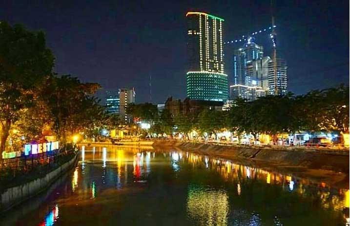 Tempat Wisata Surabaya Terbaru 2018 Indah Menarik Taman Prestasi Malam