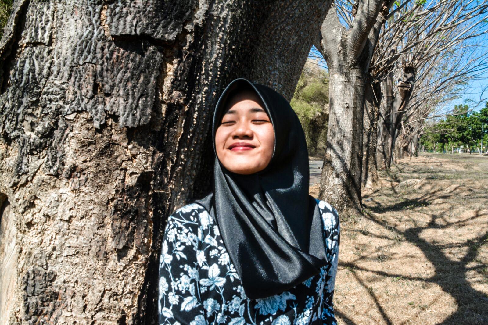 Jalan Gula Surabaya Siluet Senja Taman Sakura Keputih Kota