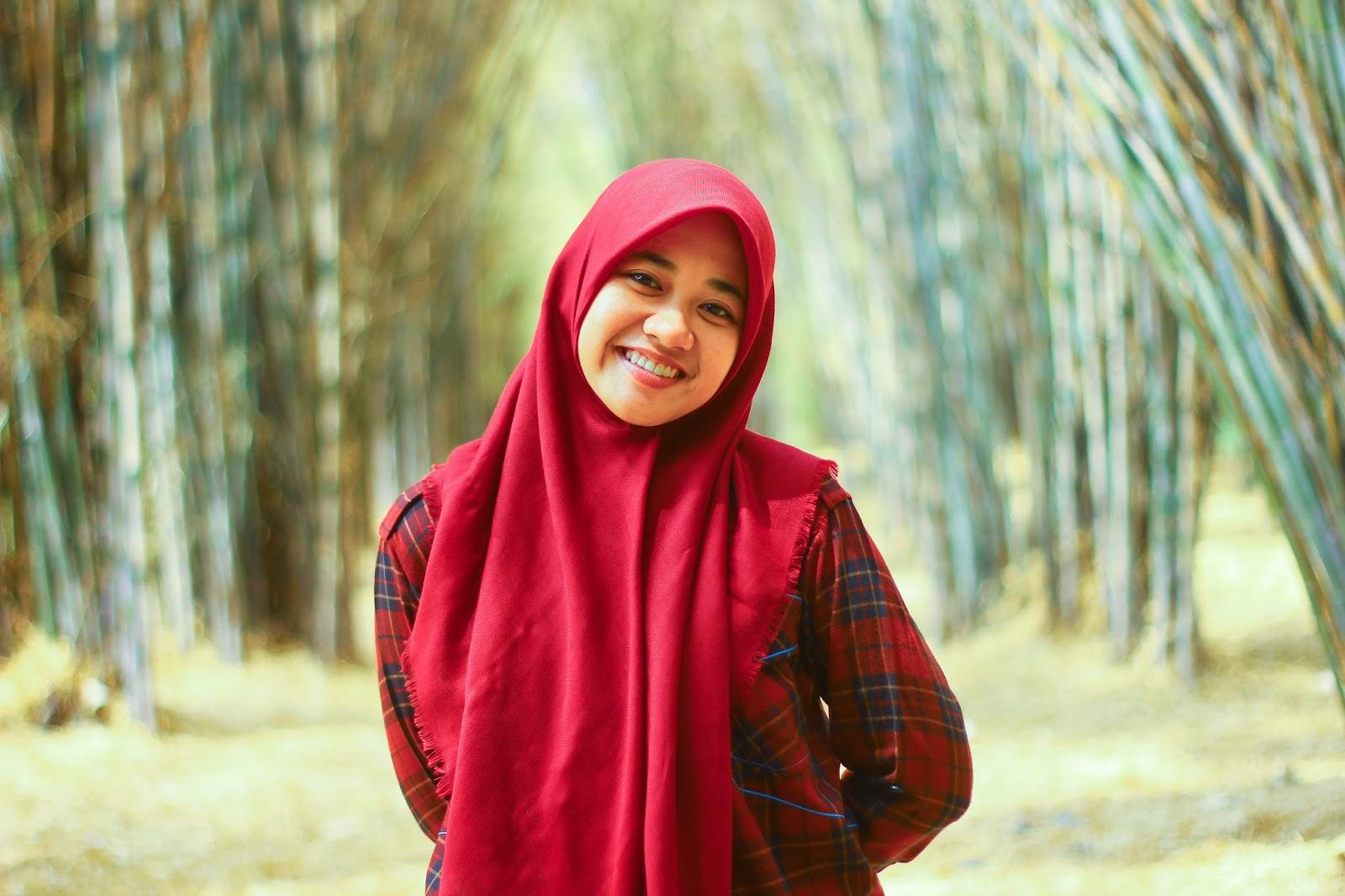 Taman Sakura Hutan Bambu Keputih Siluet Senja Kota Surabaya