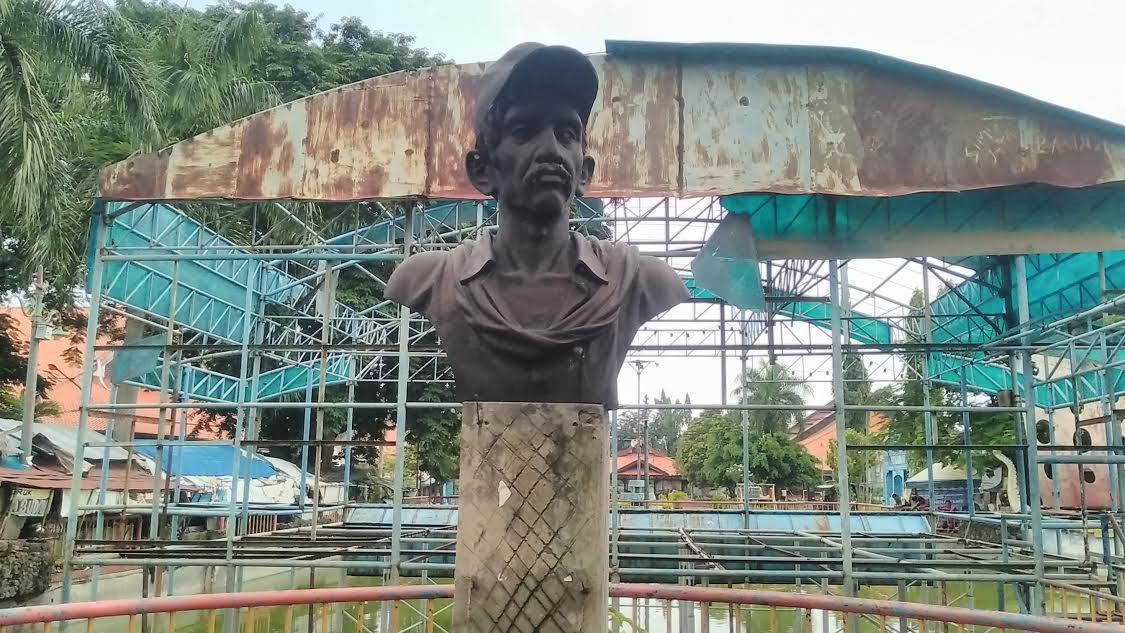 Gombloh Nasibmu Patung Thr Taman Hiburan Rakyat Kota Surabaya