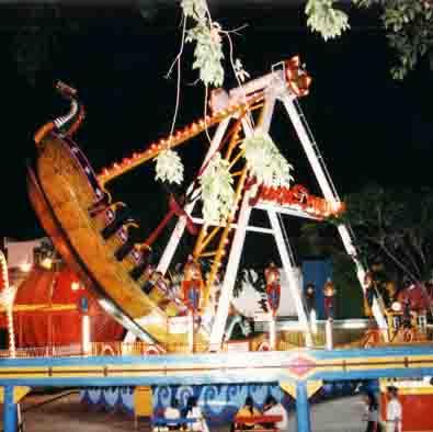 Nostalgia Taman Remaja Surabaya Wisata Jatim Anak Bisa Melompat Lompat