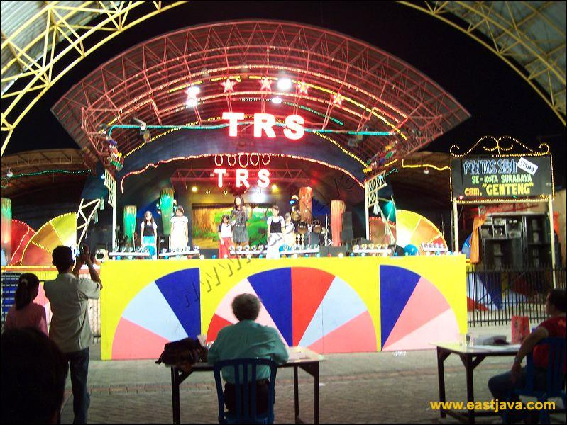 Taman Hiburan Rakyat Surabaya Children Playground Public 17 Thr Kota
