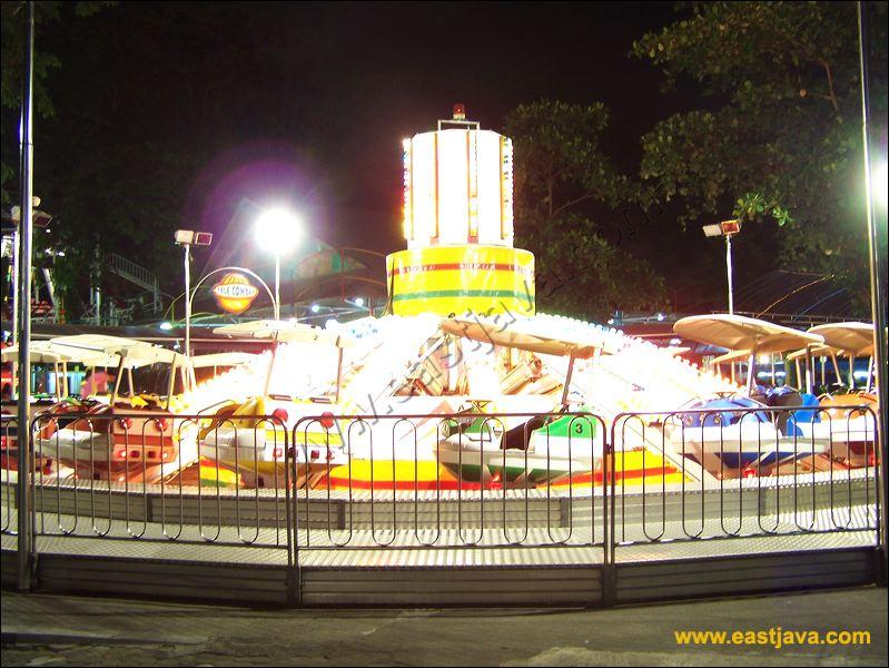 Taman Hiburan Rakyat Surabaya Children Playground Public Amusement Park 14