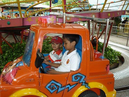 Taman Hiburan Rakyat Thr Picture Surabaya Kota