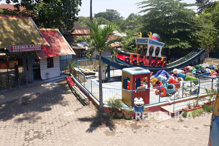 Thr Sriwedari Gudangkan Wahana Permainan Republika Online Kapal Goyang Taman