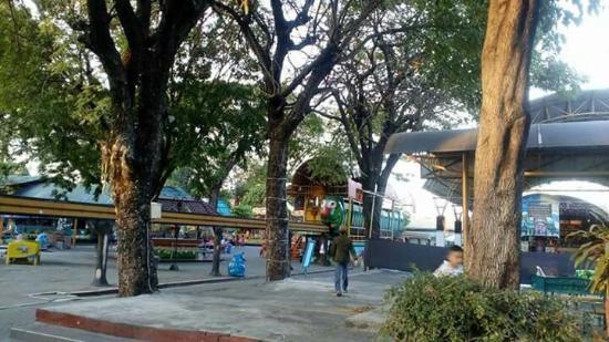 Tiket Masuk Tergolong Murah Permainan Yg Lapuk Taman Hiburan Rakyat