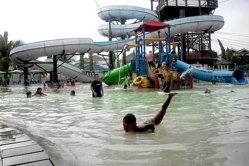 150 Tempat Wisata Surabaya Keren Terbaik Waterpark Marina Plaza Taman