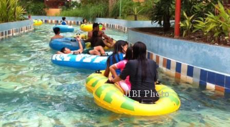 2014 Ciputra Waterpark Targetkan 6 000 Pengunjung Ilustrasi Situasi Surabaya