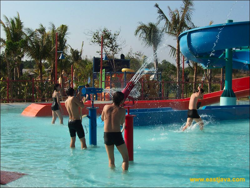 Ciputra Water Park Surabaya Biggest Indonesia 37 40 Wisata Waterpark