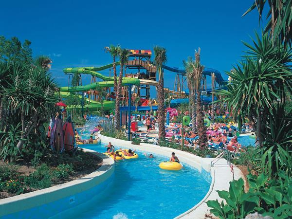 Ciputra Waterpark Hotel World Surabaya Wisata Kota