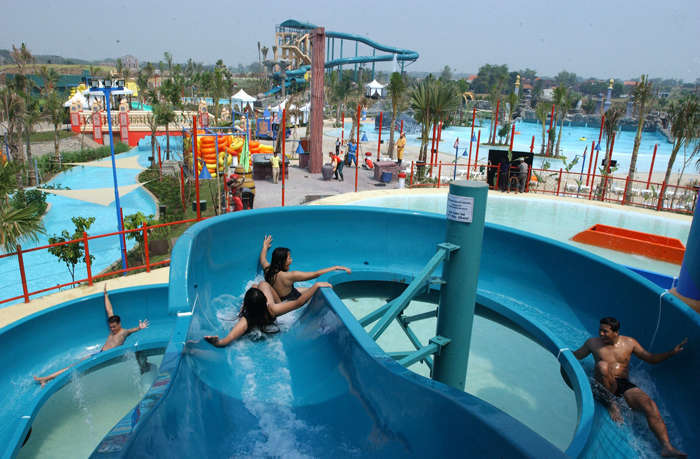 Ciputra Waterpark Indonesia Waterfun Products Ramp Slide Ultra Flume Wisata