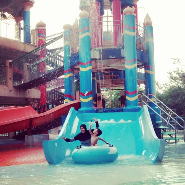 Top 10 Tempat Wisata Populer Surabaya Kamu Datangi Ciputra Waterpark