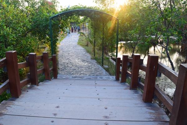 Travelling Surabaya Nggak Lengkap Kalo Mengunjungi 15 Berlokasi Deket Sama