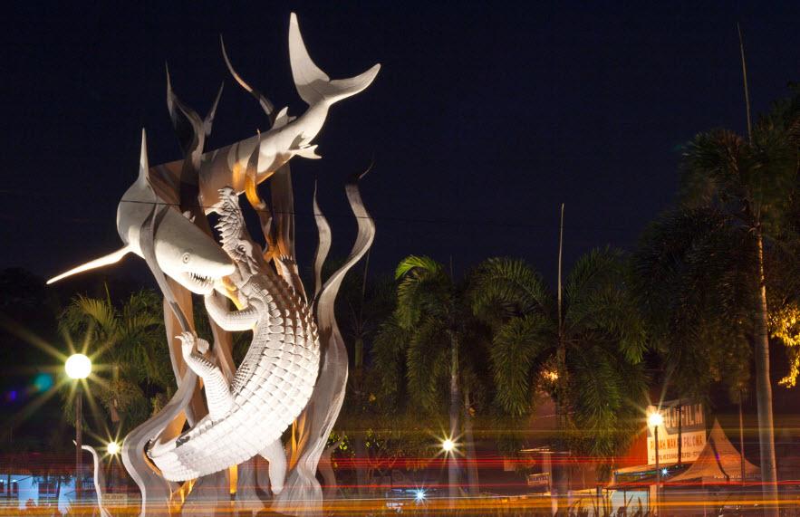 12 Tempat Wisata Menarik Surabaya Dikunjungi Jembatan Merah Kota
