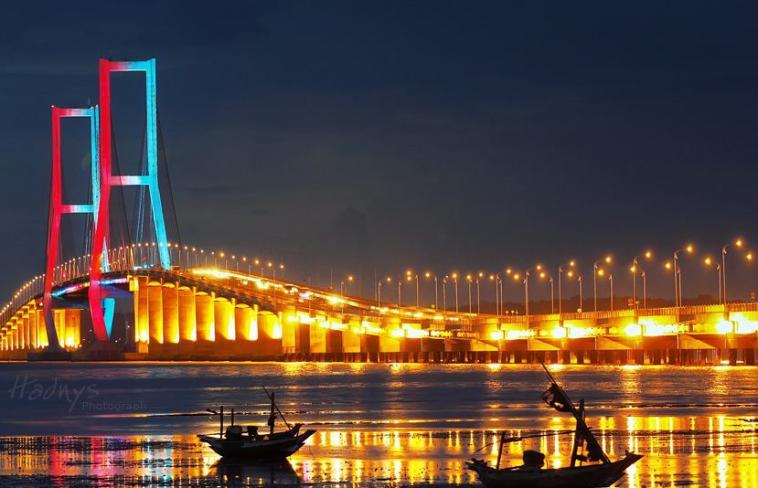 33 Pilihan Tempat Wisata Surabaya Sekitarnya Wajib Disambangi Jembatan Merah