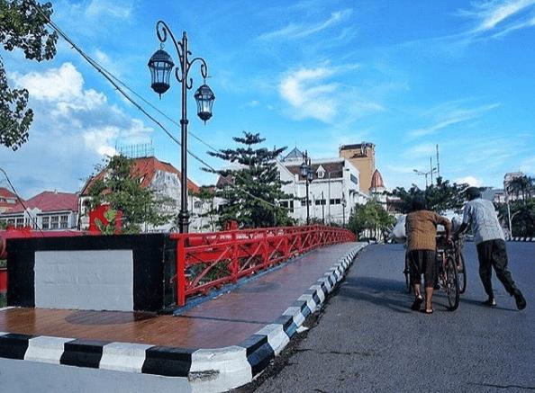 50 Tempat Wisata Surabaya Hits Reservasi Travel Blog Jembatan Merah