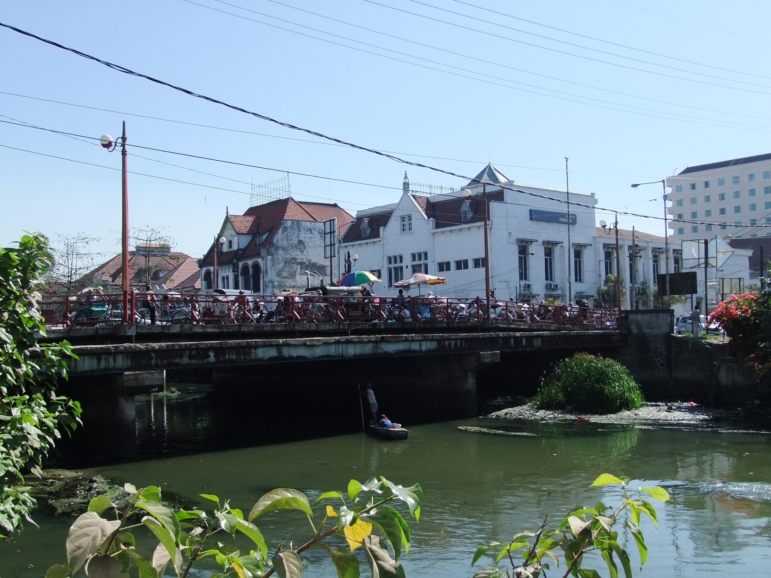 File Jembatan Merah Surabaya Jpg Wikimedia Commons Wisata Kota