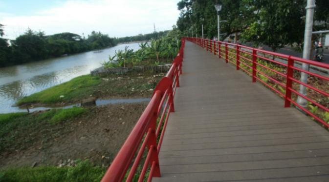 Indahnya Jembatan Merah Bantaran Sungai Cisadane Tangerang News Wisata Ala