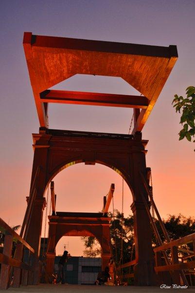 Jembatan Merah Kota Intan Memerah Sore Hari Jakarta Wisata Surabaya