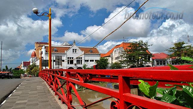 Jembatan Merah Surabaya Bromotour Id Wisata Kota