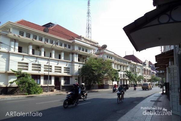 Jembatan Merah Tempatnya Wisata Sejarah Kota Tua Surabaya Deretan Gedung