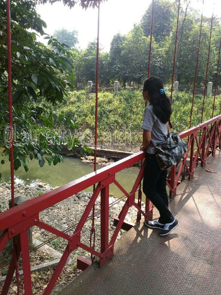 Misteri Jembatan Merah Kebun Raya Bogor Puteriputeri 3 Wisata Kota