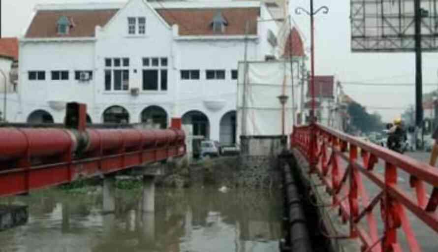 Setelah Dibersihkan Jembatan Merah Surabaya Disulap Jadi Tempat Wisata Trubus