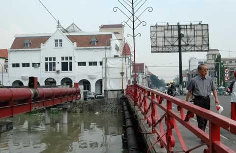 Tengok Sejarah Jembatan Merah Surabaya Panduan Wisata Sim Historicalplace Blogspot