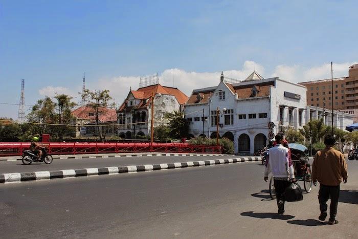 Wisata Kota Tua Jembatan Merah Surabaya