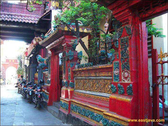 Kelenteng Hong Tiek Hian Surabaya Prefab Wisata Kota