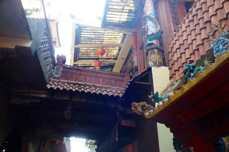 Suasana Kelenteng Hong Tiek Hian Surabaya Prefab Modern Main Post