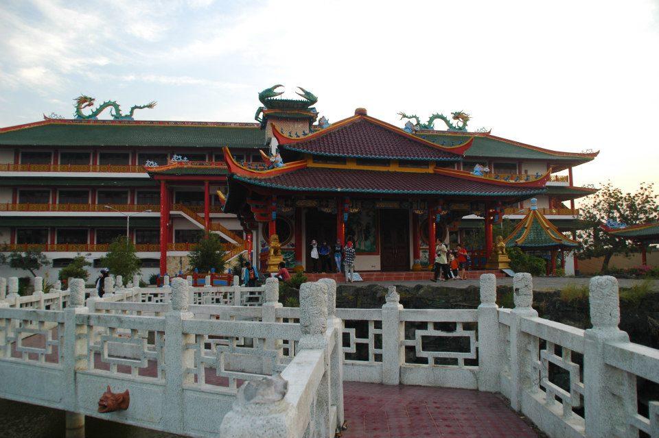 Wisata 7 Kelenteng Termegah Indonesia Klikhotel Kwan Sing Bio Hong