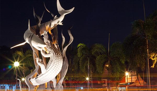 4 Destinasi Wisata Bersejarah Buktikan Kuatnya Rakyat Surabaya Monumen Bambu