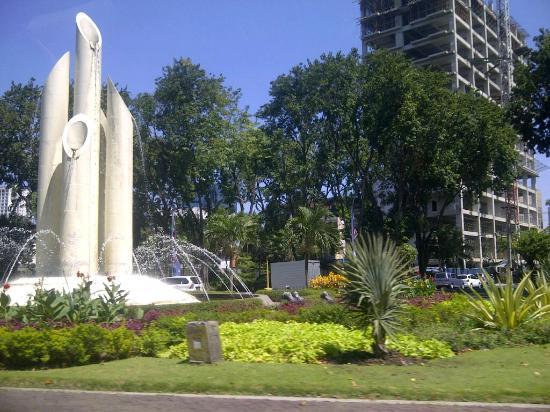 Bambu Picture Monumen Runcing Surabaya Tripadvisor Wisata Kota
