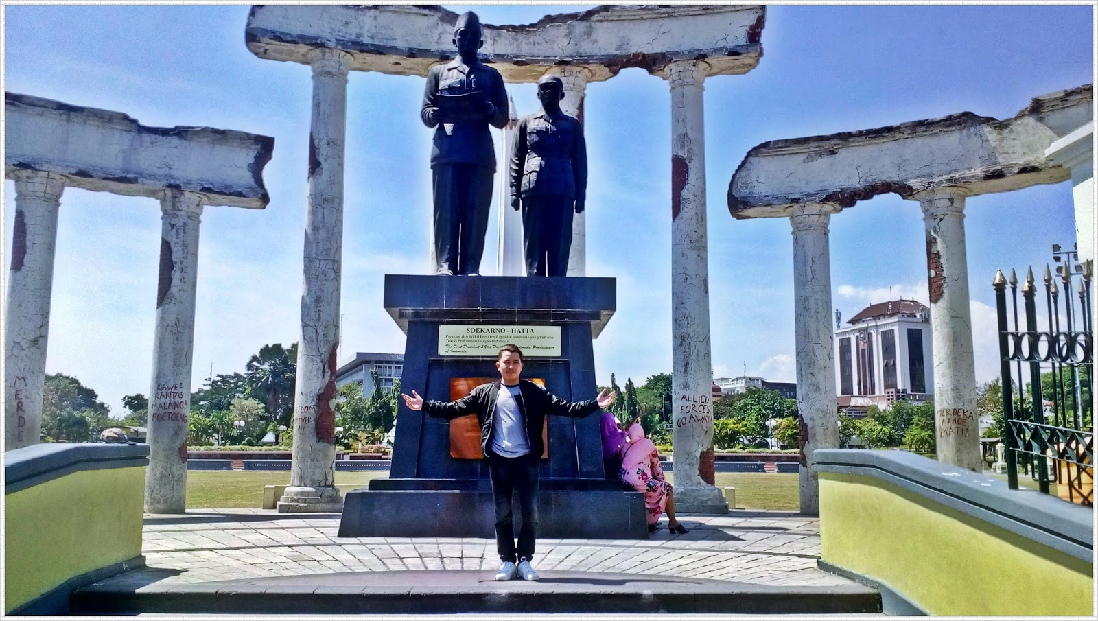 Melihat Lebih Dekat Monumen Tugu Pahlawan Surabaya Mister Pangalayo Sebenarnya