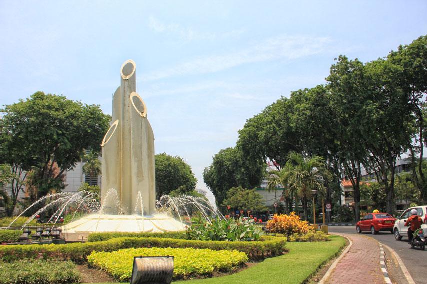 Monumen Bambu Runcing Surabaya Jawa Timur Kamera Budaya Wisata Kota